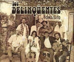 Los Delinqüentes y Tomasito