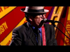 Elvis Costello - Everyday I Write The Book (Live/Spectacular Spinning Song...