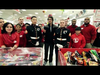 Josh Groban - Toys For Tots Shopping Spree (Extras)
